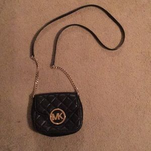 Micheal Kors quilted signature mini crossbody!